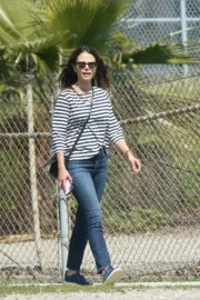 Jordana Brewster out and about in Los Angeles 2020/03/31 5