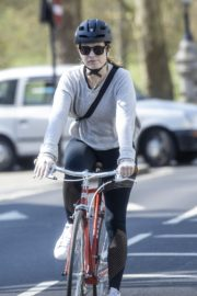 Lily James enjoy ride bike out for her daily exercise during COVID-19 in London 2020/04/11 5