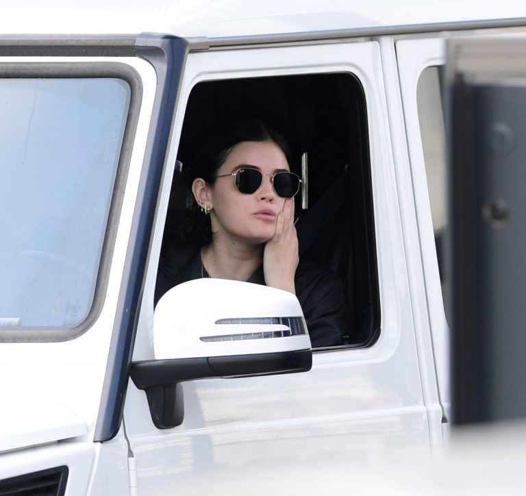 Lucy Hale goes Starbucks at the drive in Los Angeles 2020/04/04 1