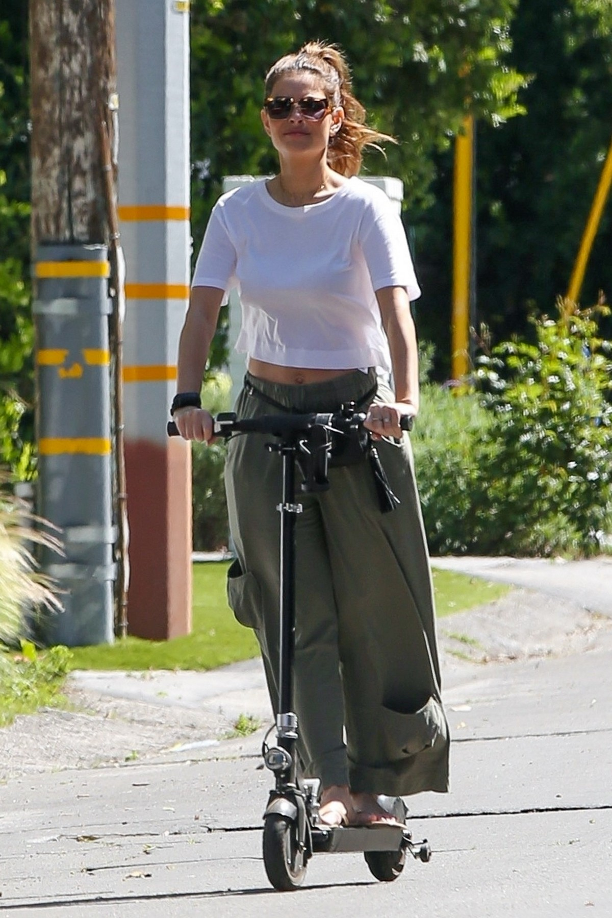 Maria Menounos enjoys a scooter ride out in Los Angeles ...