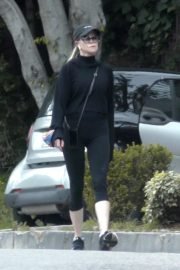 Melanie Griffith Going for her daily walk in Los Angeles 2020/04/07 1