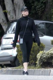 Melanie Griffith Going for her daily walk in Los Angeles 2020/04/07 2