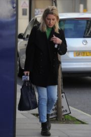 Mollie King leaves BBC Radio One Studios in Harrow 2020/03/21 1