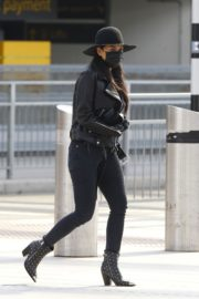 Nicole Scherzinger and Thom Evans out of Heathrow Airport, London 2020/03/28 1