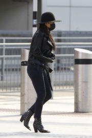 Nicole Scherzinger and Thom Evans out of Heathrow Airport, London 2020/03/28 5