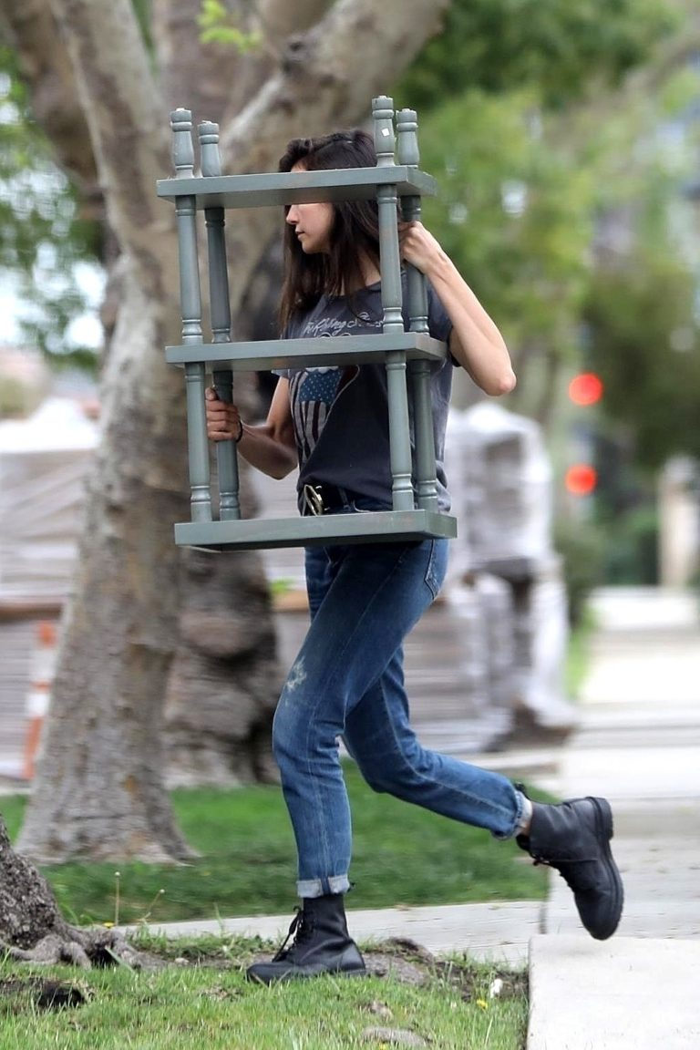 Nina Dobrev out and about in Los Angeles, California 2020/04/07 1