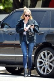 Ashley Benson seen for the first time after rumored split from Cara Delevingne in Los Angeles 2020/05/09 3