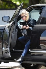 Ashley Benson seen for the first time after rumored split from Cara Delevingne in Los Angeles 2020/05/09 5