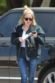 Ashley Benson seen for the first time after rumored split from Cara Delevingne in Los Angeles 2020/05/09 6