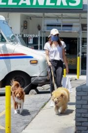 Aubrey Plaza walks with her dogs to the Pet Store in Los Feliz 2020/05/09 10