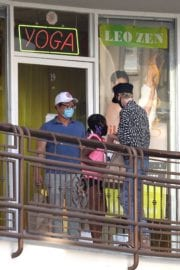 Charlize Theron seen for her kids at a sushi bar in West Hollywood, California 2020/05/08 8