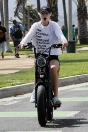 Abby Champion and Patrick Schwarzenegger Out Cycling in Santa Monica 2020/06/19 3