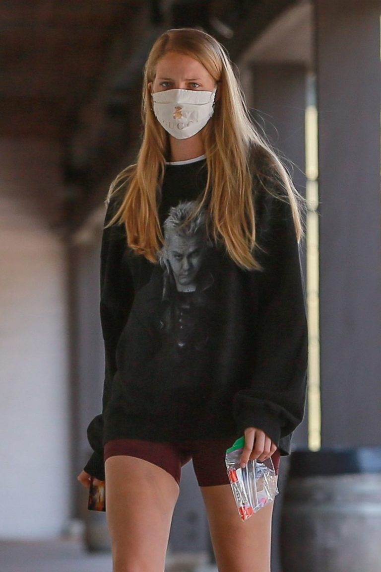 Abby Champion Wearing a Gucci Mask at Caffe Luxxe in Los Angeles 2020/06/10 2