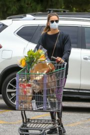 Alessandra Ambrosio Out Shopping in Los Angeles 2020/06/20 7
