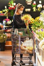 Alessandra Ambrosio Out Shopping in Los Angeles 2020/06/20 10