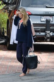 Ali Larter Out and About in Los Angeles 2020/06/01 1