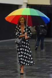 Amanda Holden Arrives on a Rainy Day at Global Radio in London 2020/06/11 1