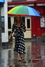Amanda Holden Arrives on a Rainy Day at Global Radio in London 2020/06/11 5