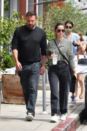 Ana de Armas and Ben Affleck at Brentwood Country Mart 06/20/2020 8
