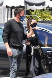 Ana de Armas and Ben Affleck at Brentwood Country Mart 06/20/2020 13