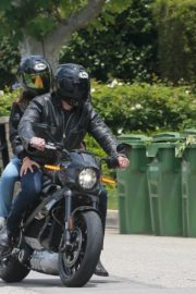 Ana de Armas and Ben Affleck on His Motorcycle Out in Los Angeles 2020/06/02 4