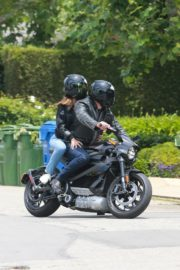 Ana de Armas and Ben Affleck on His Motorcycle Out in Los Angeles 2020/06/02 8