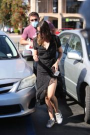 Ana de Armas and Ben Affleck Out Shopping in Los Angeles 2020/06/09 4