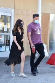 Ana de Armas and Ben Affleck Out Shopping in Los Angeles 2020/06/09 6