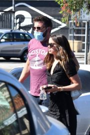 Ana de Armas and Ben Affleck Out Shopping in Los Angeles 2020/06/09 12