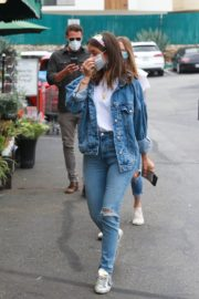Ana de Armas in Double Denim Out Shopping in Los Angeles 2020/06/05 3