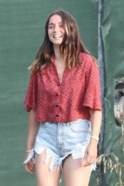 Ana De Armas seen in Beautiful Top and Denim Out in Brentwood 2020/06/04 8