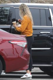 April Love Geary Out Shopping in Malibu 2020/06/18 2