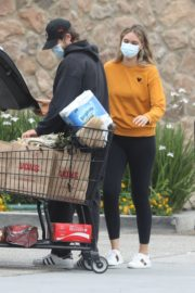 April Love Geary Out Shopping in Malibu 2020/06/18 5