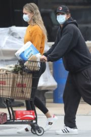 April Love Geary Out Shopping in Malibu 2020/06/18 9