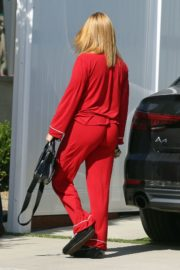 Ariel Winter Arrives at Her Home in Los Angeles 2020/06/07 3