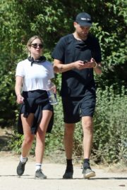 Ashley Benson and G-Eazy Out Shopping in Los Angeles 2020/06/13 12