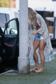 Ashley Hart in Denim Shorts Out in Los Angeles 2020/06/09 1