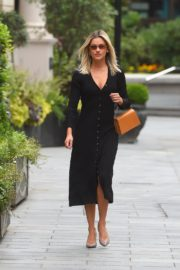 Ashley Roberts Arrives at Global Offices in London 2020/06/08 11