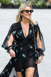 Ashley Roberts flashes her legs outside Heart FM Radio in London 2020/06/04 8
