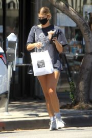 Ashley Tisdale at Joan's on Third in Studio City 2020/06/10 2
