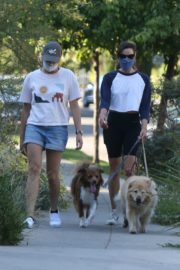 Aubrey Plaza Out with Her Dogs in Los Feliz 2020/06/11 12