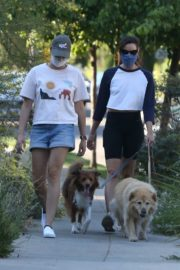 Aubrey Plaza Out with Her Dogs in Los Feliz 2020/06/11 13