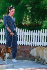 Aubrey Plaza Out with Her Dogs in Los Feliz 2020/06/14 8