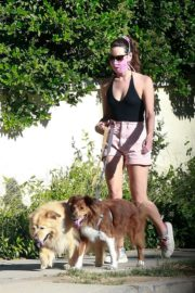 Aubrey Plaza Walks Her Dogs Out in Los Feliz 2020/06/10 4