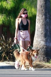 Aubrey Plaza Walks Her Dogs Out in Los Feliz 2020/06/10 8