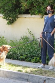 Aubrey Plaza Walks Her Dogs Out in Los Feliz 2020/06/13 8