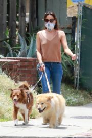 Aubrey Plaza Walks with Her Dogs Out in Los Feliz 2020/06/06 2
