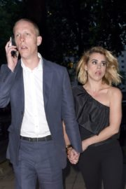 Billie Piper and Laurence Fox Arrives at Glamour Awards in London 2020/06/08 6