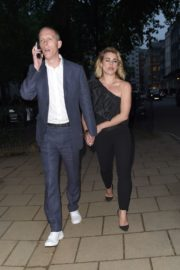 Billie Piper and Laurence Fox Arrives at Glamour Awards in London 2020/06/08 9