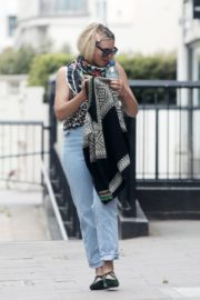 Billie Piper Out and About in London 2020/06/03 1